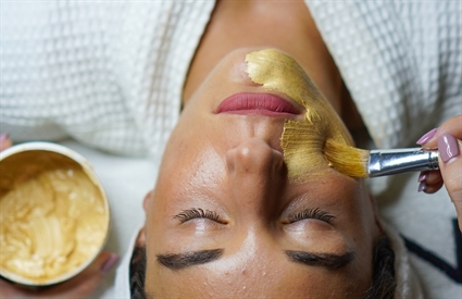 Why its worth seeing a professional     beauty therapist